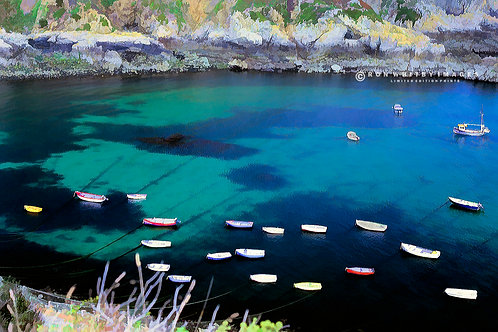Boats in Moulin Huet Bay - Guernsey