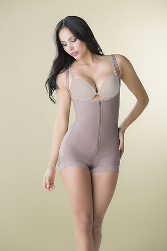 3086 - Cheekt girdle in powernet with zipper in crotch