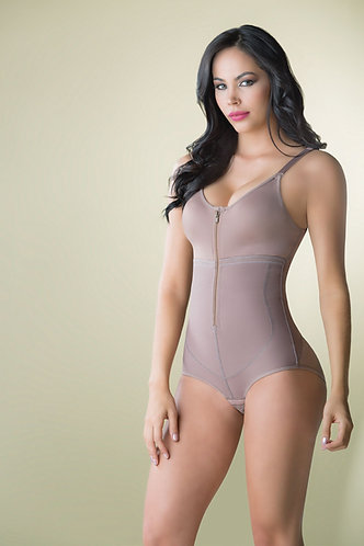 3094 - Body girdle in powernet with contour cups