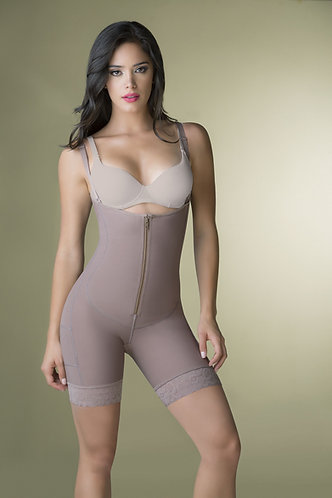 3088 - Short girdle in powernet with front zipper