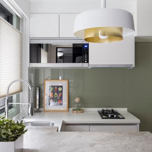 有別於設計家具品牌 台灣訂製家具能製作更符合居家的單品  材料與尺寸能都客製化,價位也相對合理  訂製家具是高 CP 值的選擇