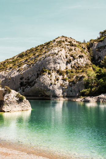 visiter-provence-saint-rémy-lac-peiroou-