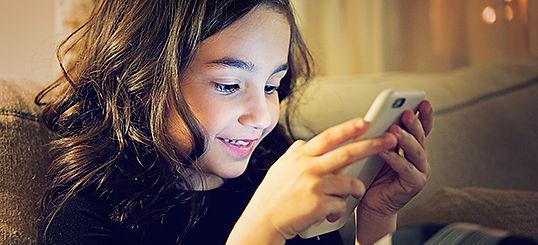 child-mobile-1-468467.jpg