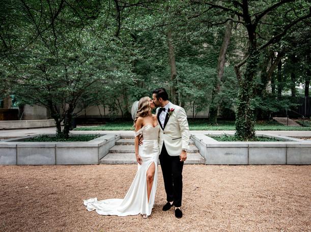 Chicago Wedding | CBOT Wedding Shot | www.nicolesivekweddings.com