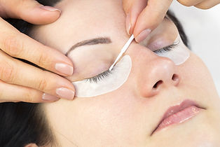 eyelash extensions removal