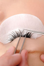 eyelash extensions application