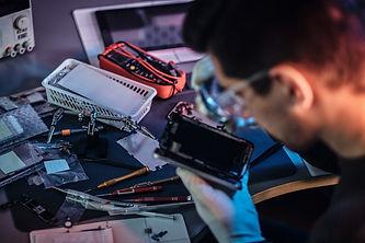 electronic-technician-repair-damaged-sma