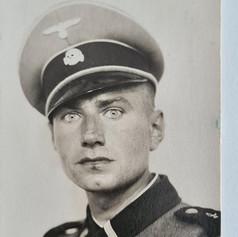 Günter in uniform