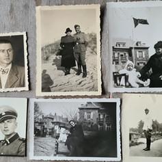 Verzameling foto's op tafel...