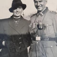 Grootmoeder met grootvader, oktober 1940