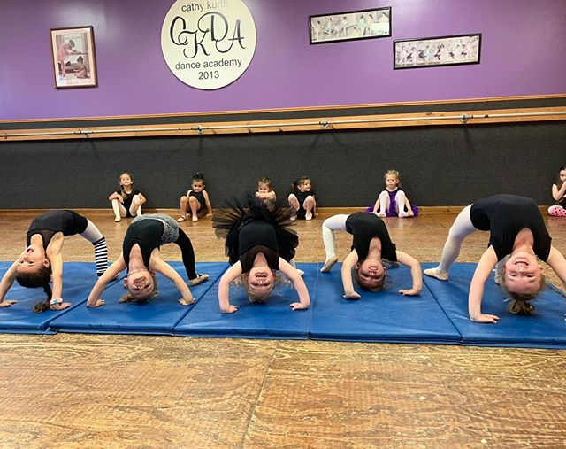 Sweet little acro babies!! 💙🥰.jpg