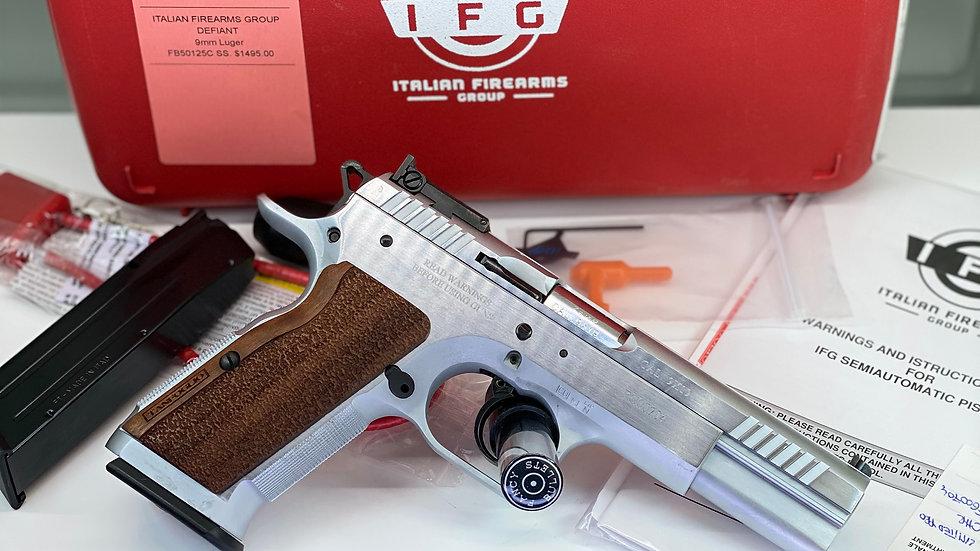 "Defiant Limited Pro Large Frame Handgun 9mm Luger 17rd Magaizne 4.8"" Barrel Stai"