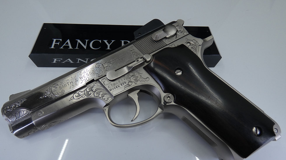 SMITH & WESSON LIMITED EDITION 155 of 250  9MM