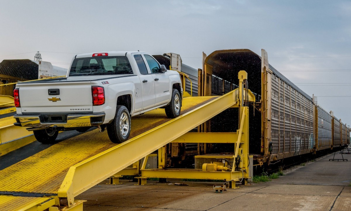 2014-Chevy-Silverado-Shipped-by-Train-1