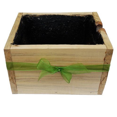 Home - Pallet wood planter with green bow