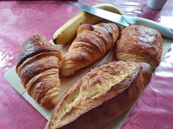 Breakfast, Paris