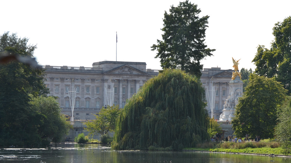 London Day 6: Cathedrals, Palaces and Fish and Chips