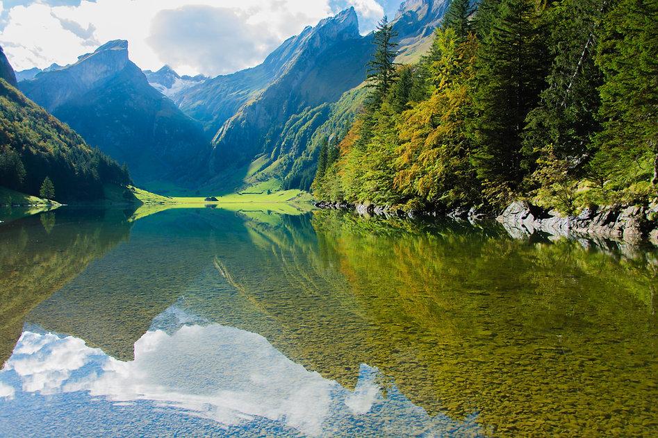 Mountians y el lago