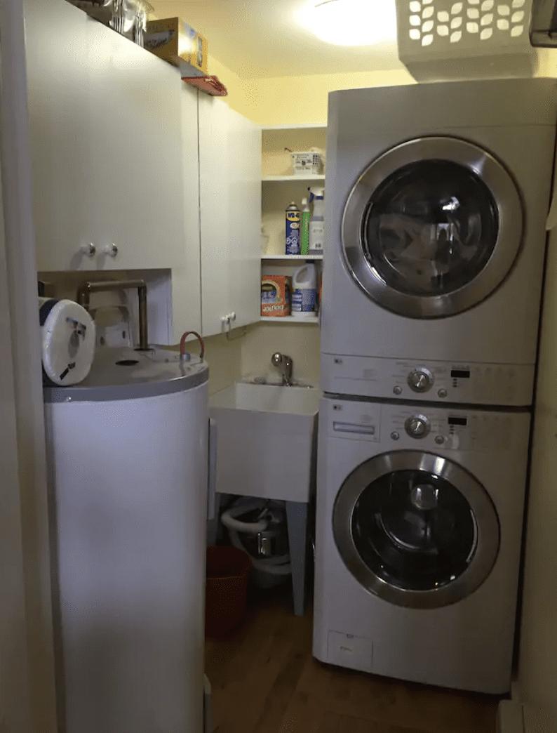 Cottage rental laundry room