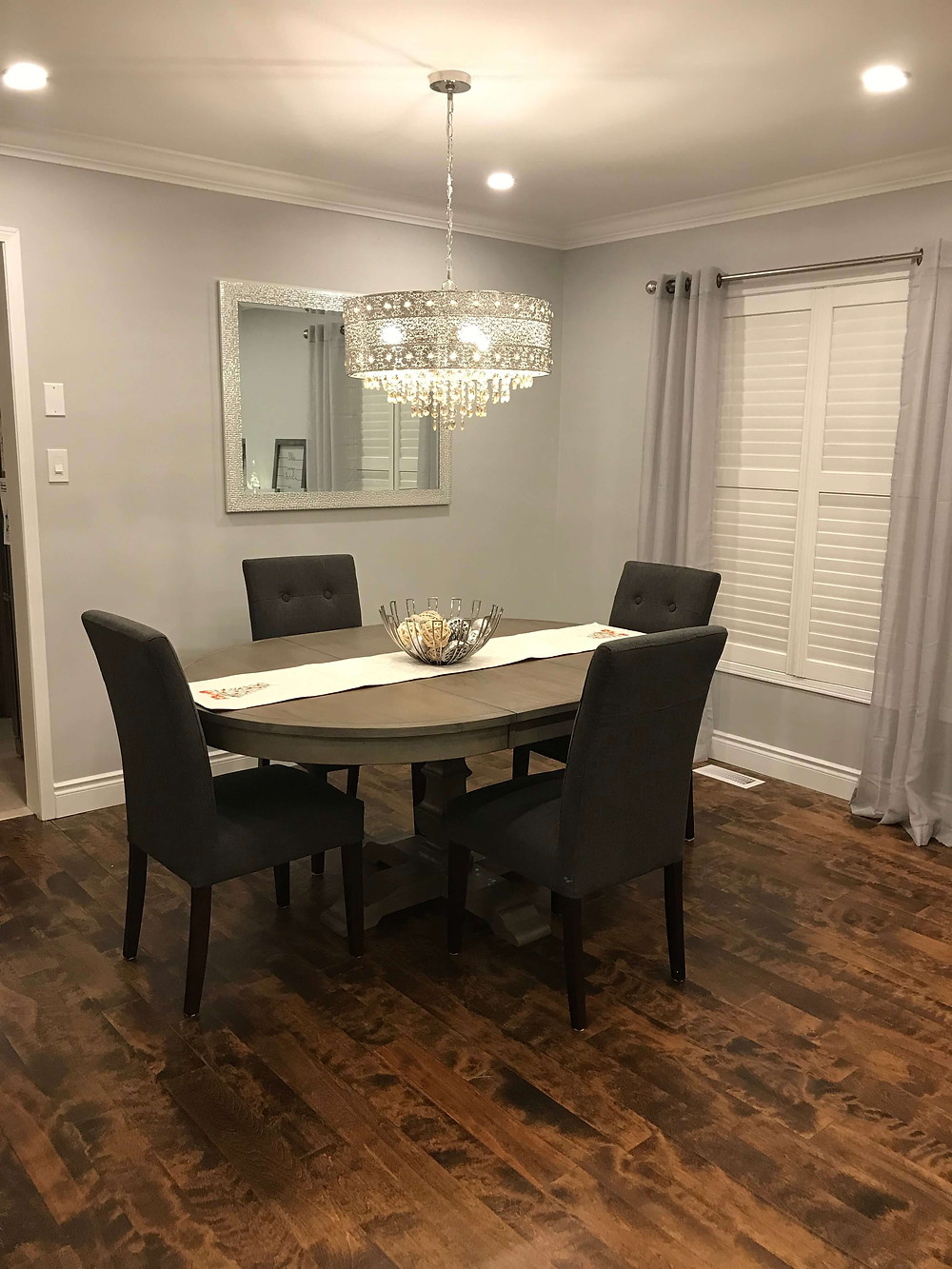 Elegant dining room by Georgia's Design
