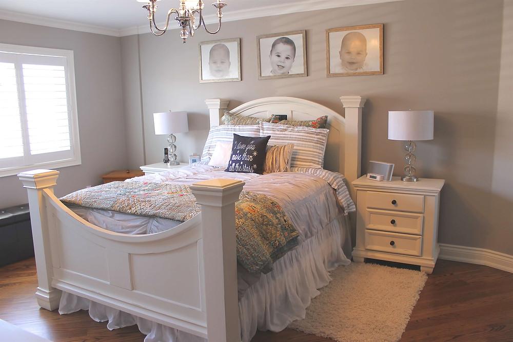 Cozy master bedroom by Georgia's Design