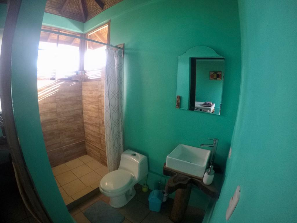 GLO Guestroom Bathroom