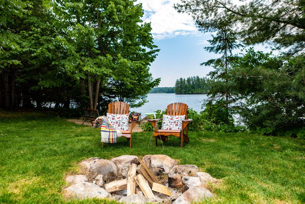 Waterfront campfire pit on the lake