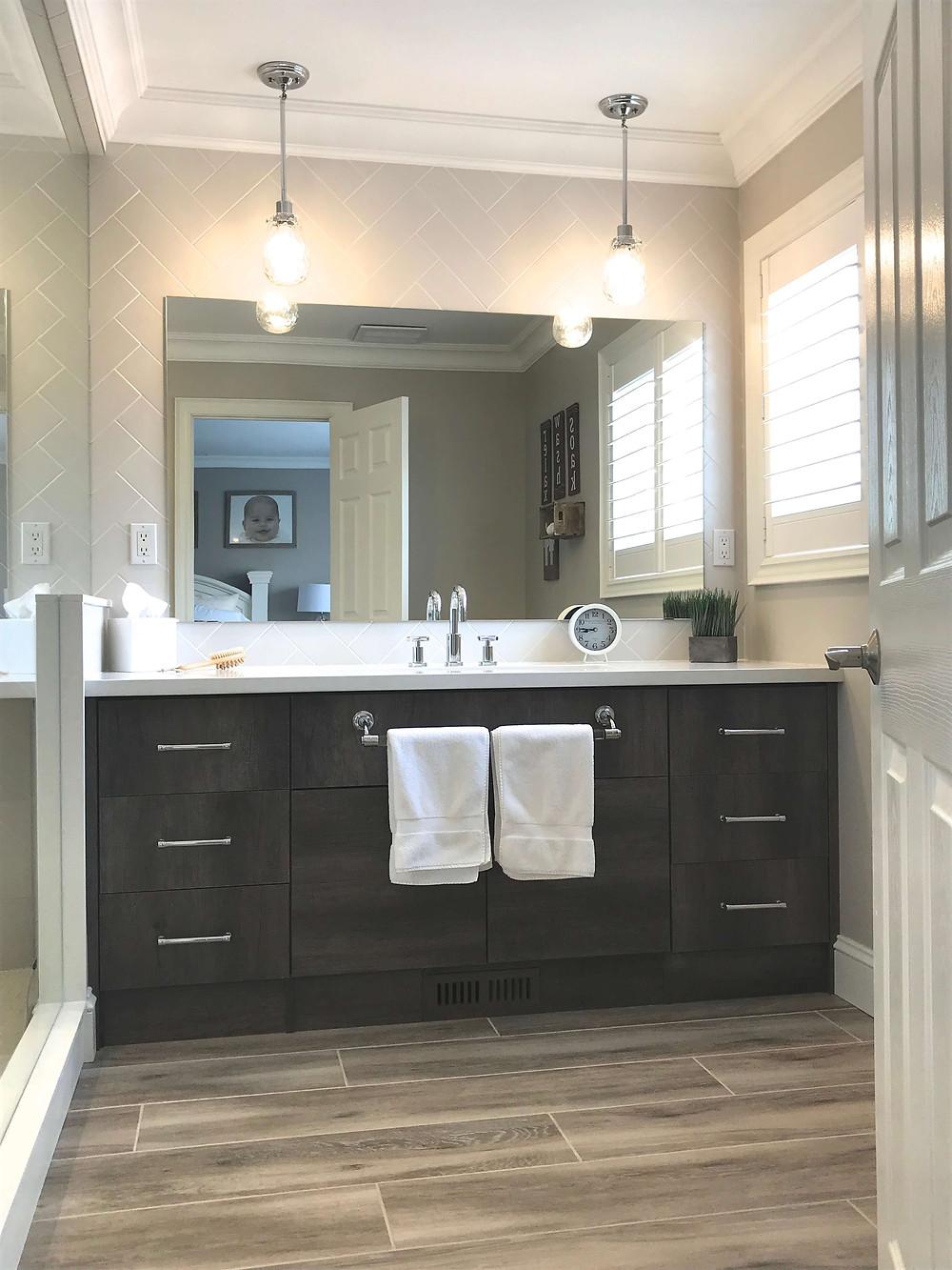 Rustic style bathroom by Georgia's Design