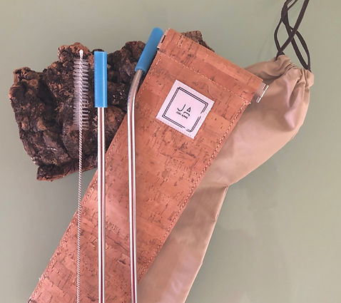 Eco-Friendly straws and brush package