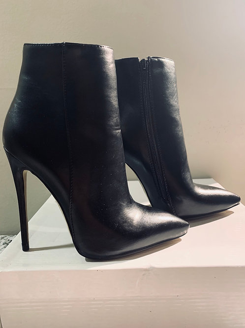 Black Pointed Toe Bootie Boot