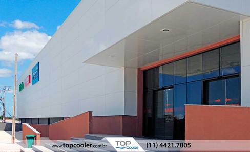 FACHADA---Isopainel-PUR-para-fachadas---painel-para-fachada---fachada-shopping.jpg