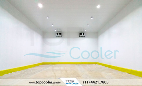 Câmara-fria-com-monobloco-frigorífico-plug-in-TOP-COOLER_Câmara-Modular-Climatizada.jpg