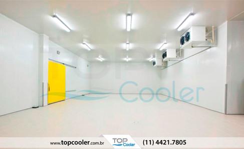 Câmara-Fria-com-Sistema-de-Refrigeração-Split_Unidade-Condensadora_Unidade-Evaporadora.jpg