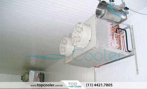 Evaporador-de-Ar-Forçado-Alto-Perfil-com-Sistema-de-Umidificação-Aspesores-de-ar-comprimido.jpg