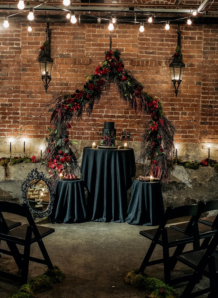 Romantic-Halloween-Wedding (22)