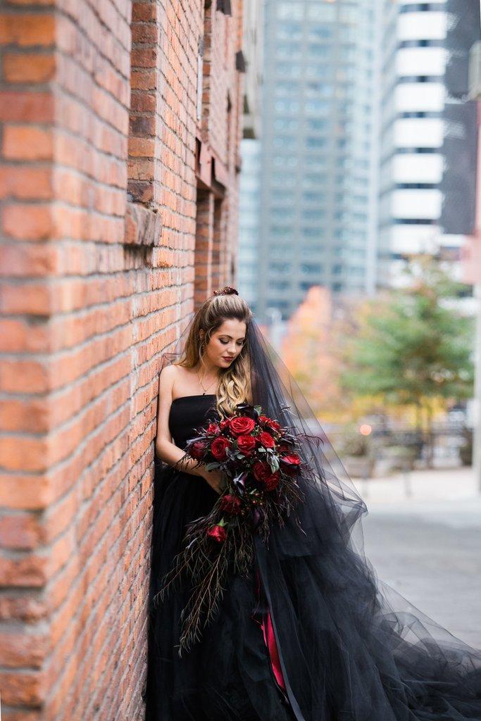 Romantic-Halloween-Wedding (2)