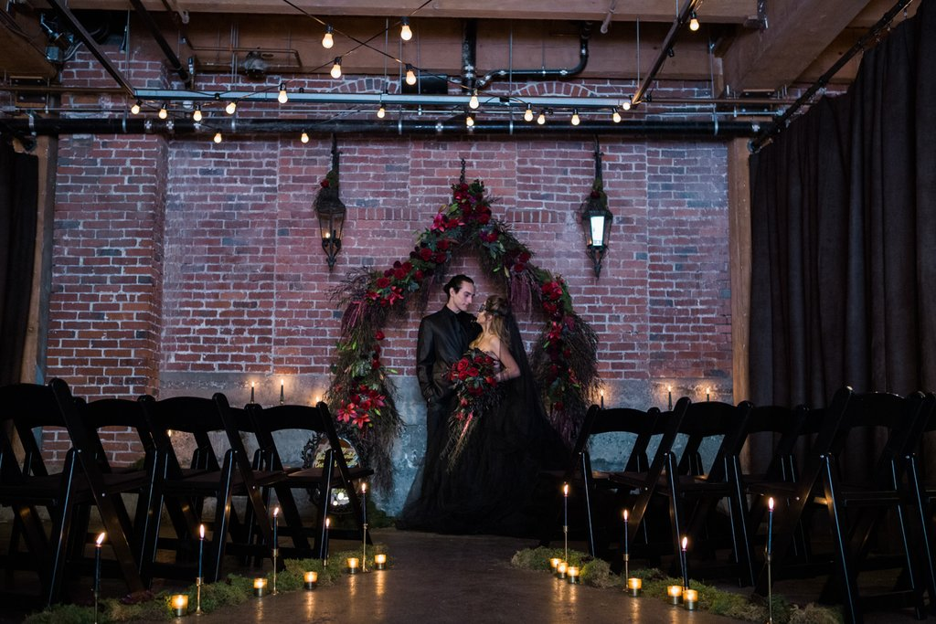 Romantic-Halloween-Wedding (7)