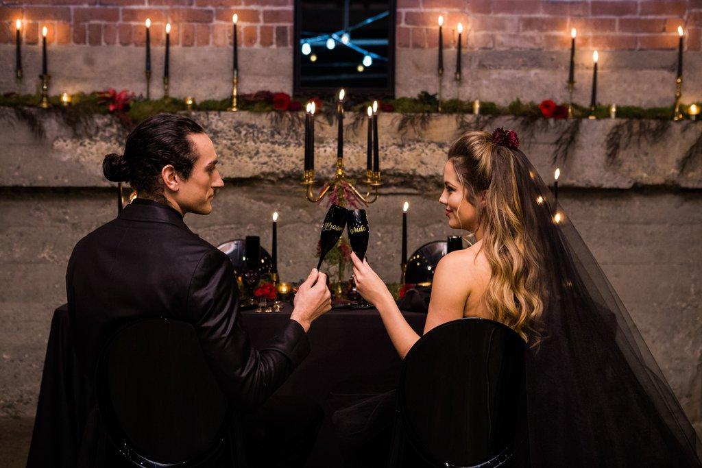 Romantic-Halloween-Wedding (12)