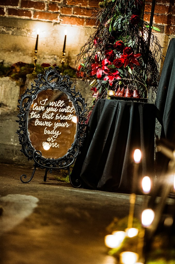 Romantic-Halloween-Wedding (15)