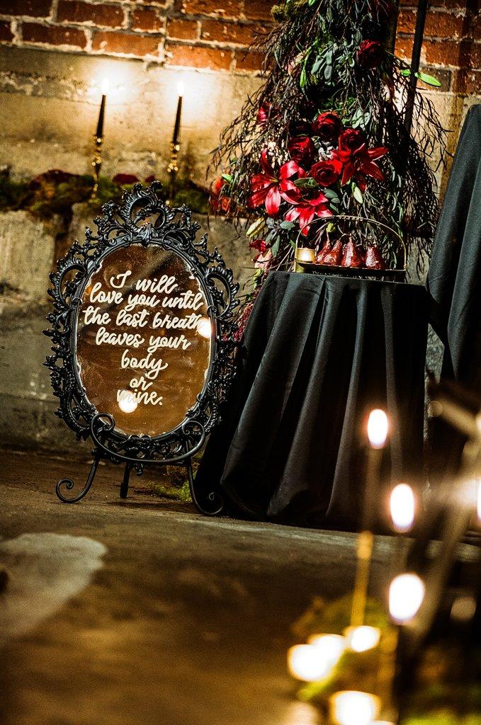 Romantic-Halloween-Wedding (15)
