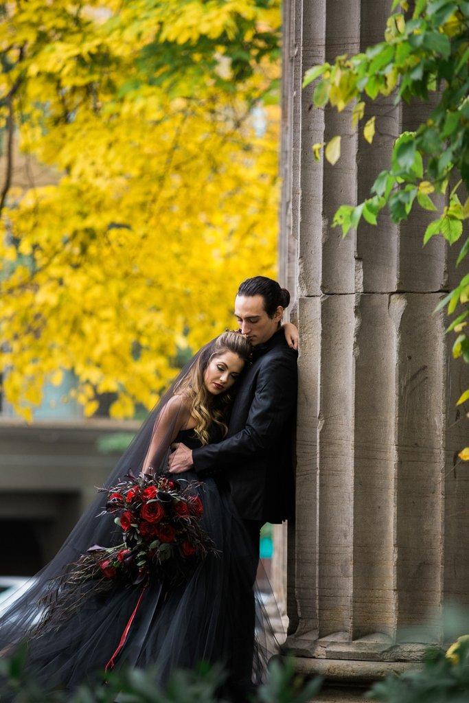 Romantic-Halloween-Wedding (4)