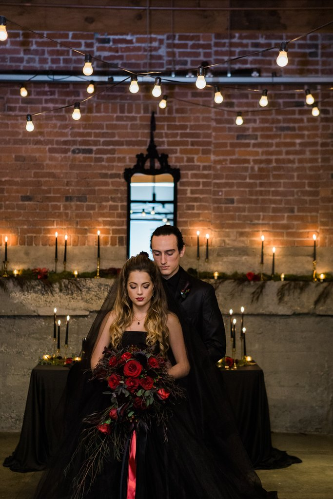 Romantic-Halloween-Wedding (13)