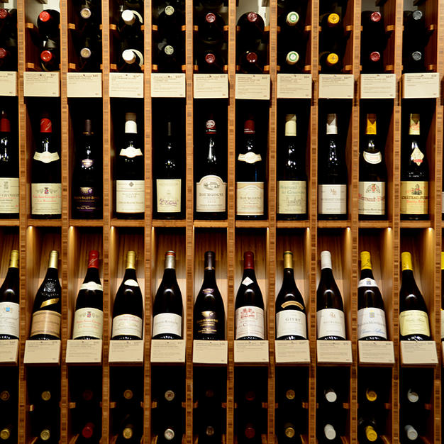 Nolita Wine Store - Display detail