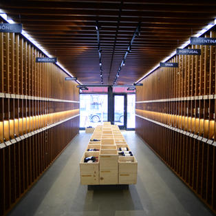 Nolita Wine Store, display racks
