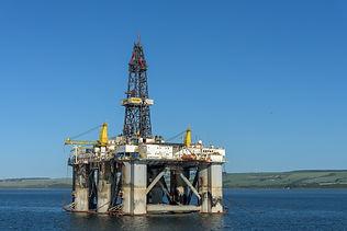 oil-rig-3522594_1920.jpg