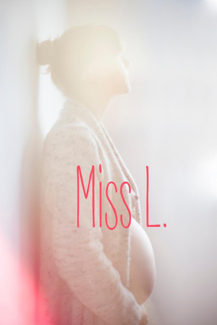 Pregnancy photo shoot   Miss L.