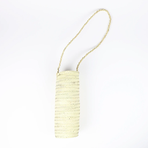 Narrow wall basket