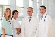 医療チームの笑顔
