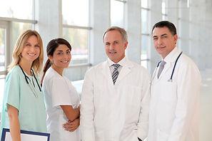 Sonriendo equipo médico