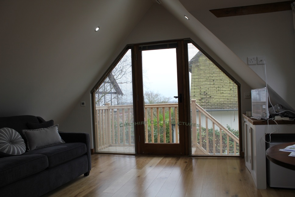 2Bay_OakGaragewithUpstairs_InsideView_Wirral